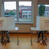 Dann mit den Wahlunterlagen in die Wahlkabine