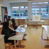 Abstimmung nur mit Ausweis und Wahlbenachrichtigung.